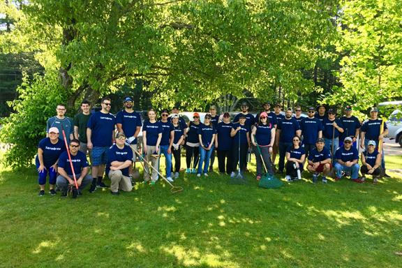 Samsonite corporate volunteers at Stony Brook