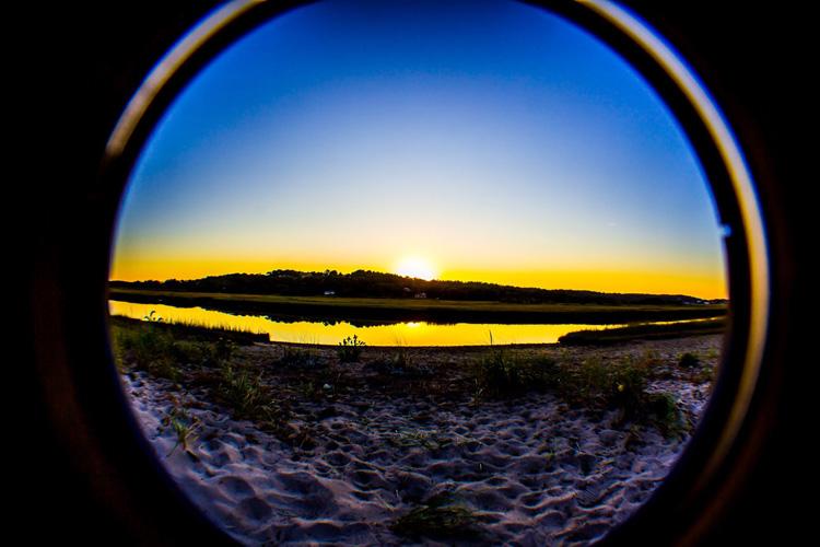 Beach Scene © Jim McIntyre