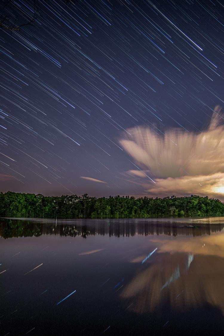 Star Trails over Lake © Sean Henderson