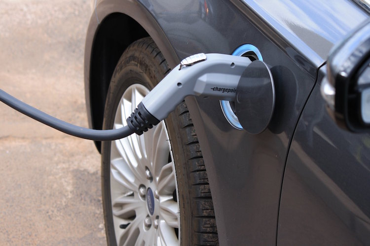 Electric Vehicle Charging via Noya Fields