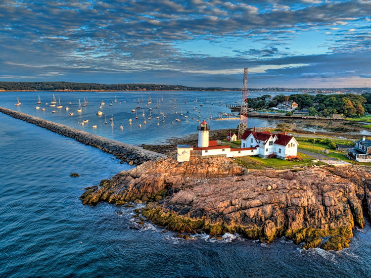 Eastern Point Lighthouse in Gloucester© Mike Iwanicki